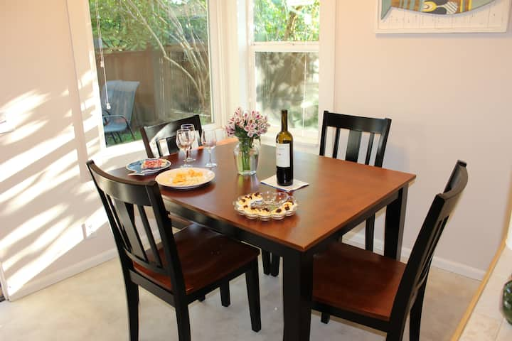 University of Oregon Cozy House for 2 to 6 guests