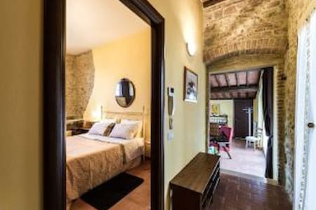 Hilltop Romance for Couples - San Gimignano