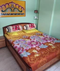 1 Bed room furnished apartment in Colaba, Mumbai