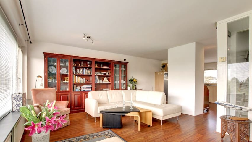 Spacious Room in a house with garden and creek