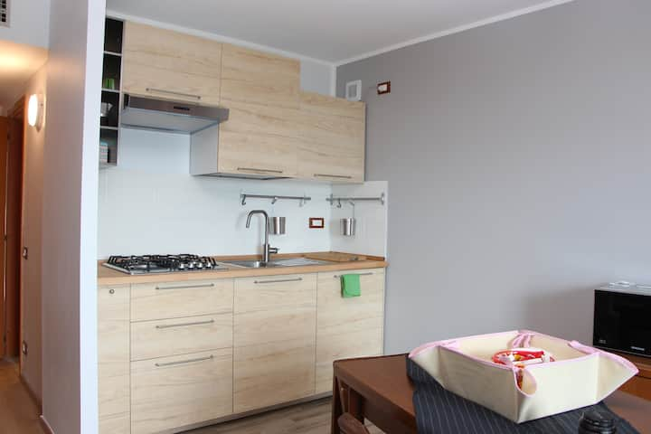 Studio apartment 4 beds available