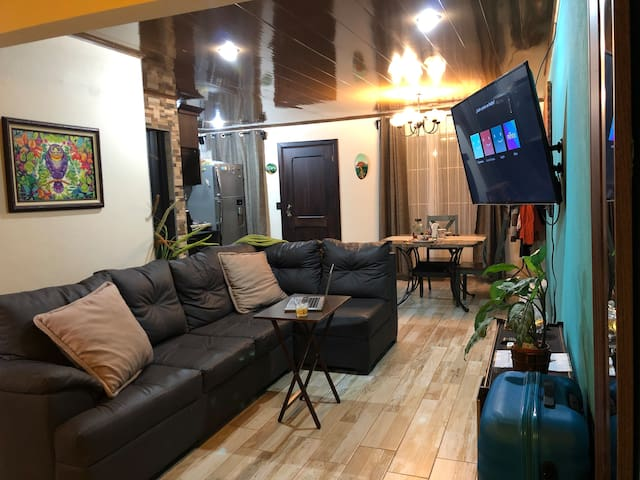 Studio Apartment with Volcano View - A/C & Wifi