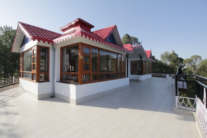 Whispering Winds Villa Kasauli - Kasauli - 別荘