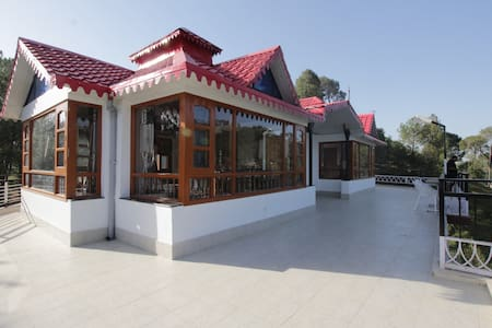 Whispering Winds Villa Kasauli - Kasauli - Willa