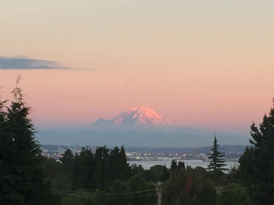 Spectacular views of Mount Rainier and Seattle Waterfront from the deck and living room