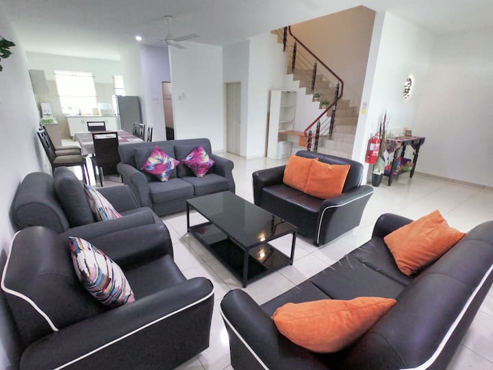 Simple House 4 room 12 pax Homestay