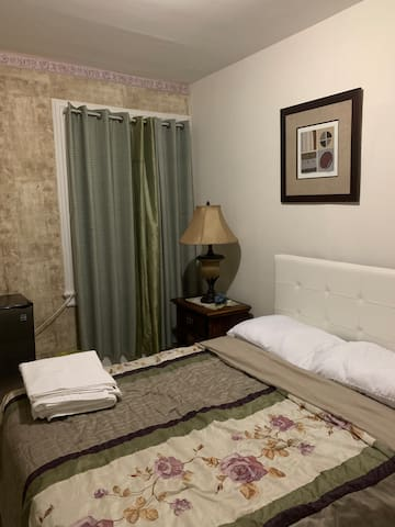 Trenton NJ, Room for hosting A