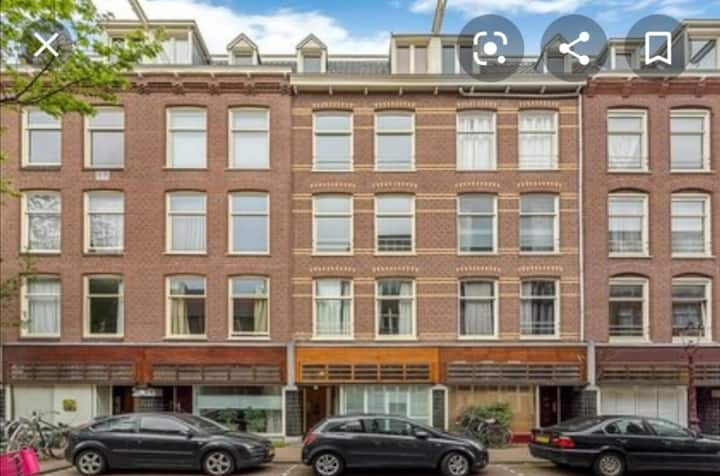Spacious apartment in the best neighborhood of AMS