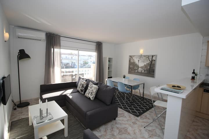 Perfect spacious 2-bedroom apartment with pool