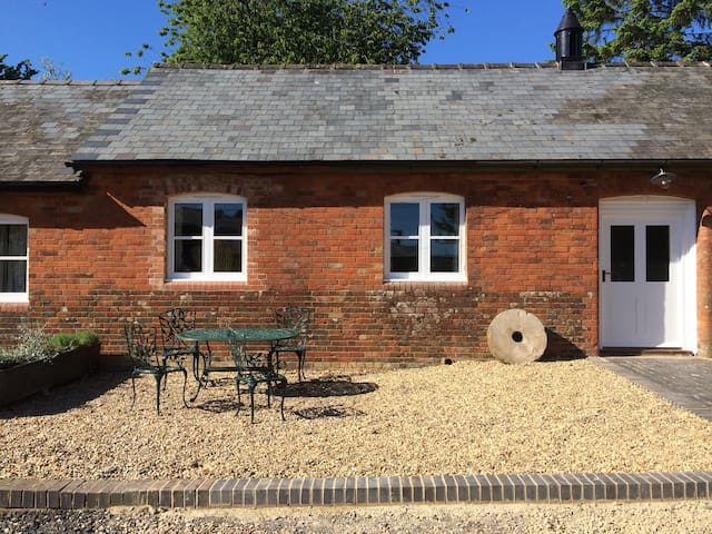 The Hen House, luxury self catering, Marlborough