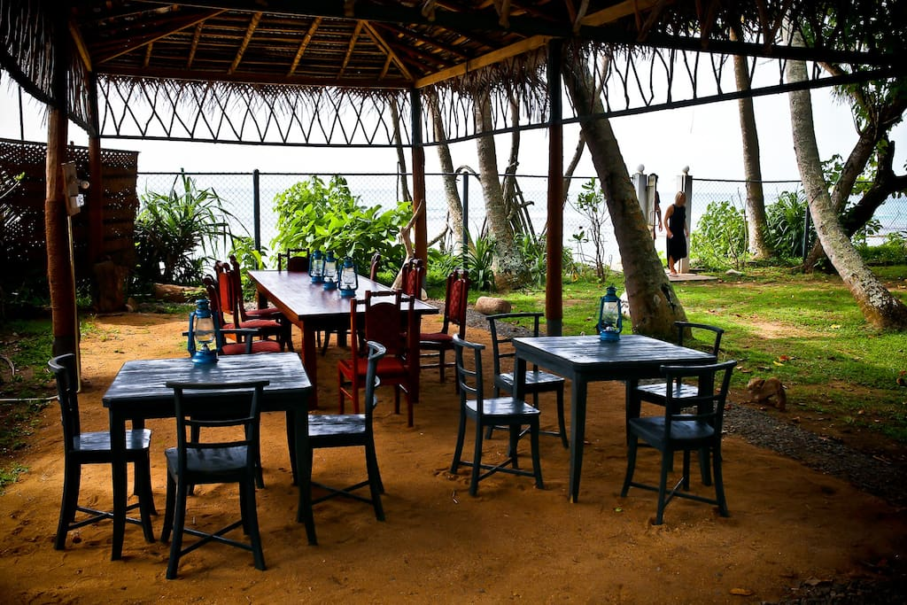 dining with a view of the sea