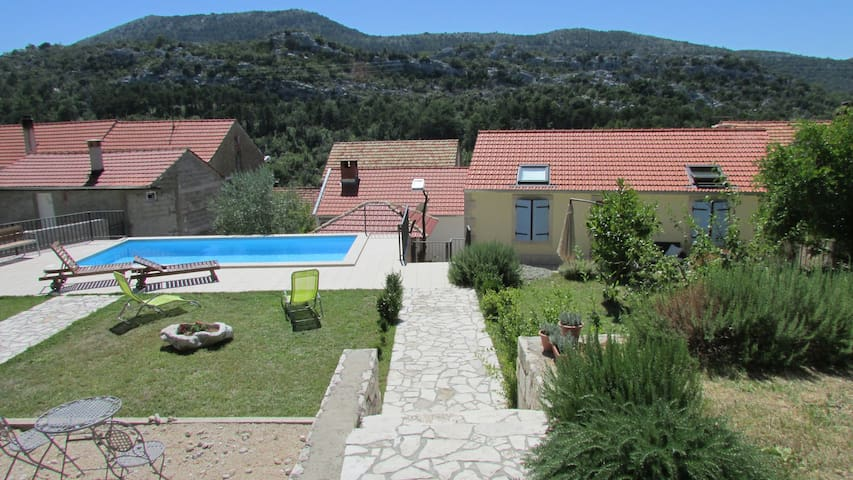 Holiday Home Stari Zoganj - Two Bedroom Holiday Home with Terrace and Swimming Pool