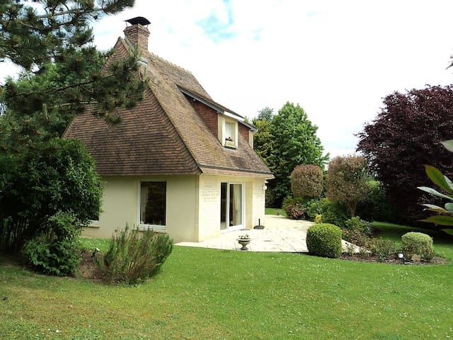 Beautiful house on big property  5m from Deauville - Vauville