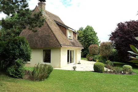 Beautiful house on big property  5m from Deauville - Vauville - Talo