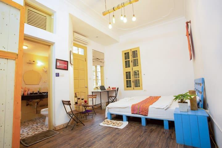 Minimalism Double Room/ Balcony/ Easternstay