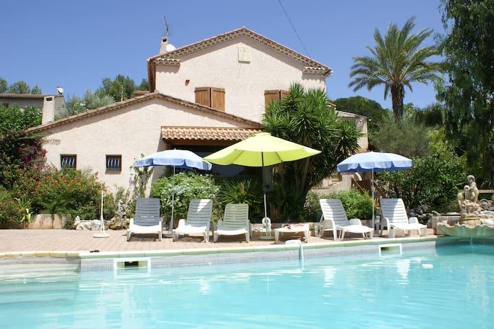 Villa le Paradou - L'oranger - Toulon - Flat