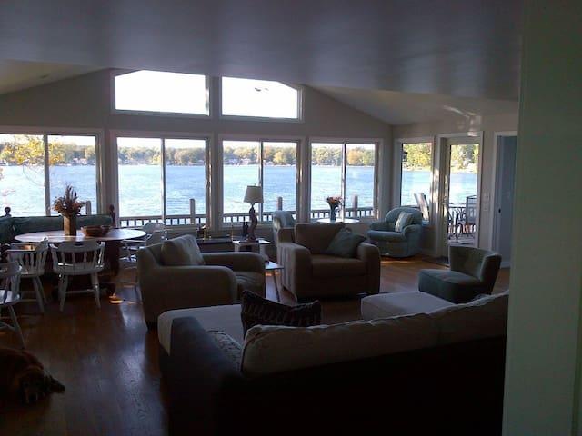Dean's Friendly, on Lyon Lake,