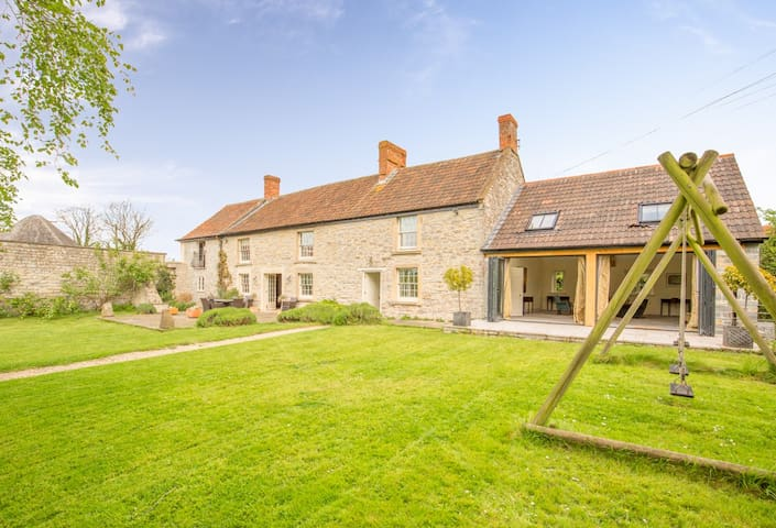 Tanyard Farm House, Pilton Somerset