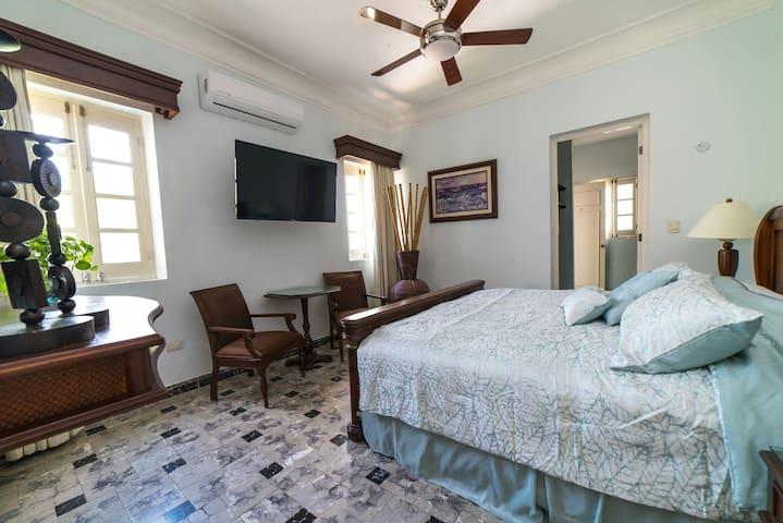 Casa Villa Mercedes, Habitación -Uxmal-