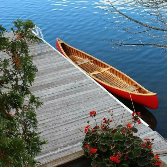 Your rental includes the use of our fibreglass canoe, paddle boat and paddle board in summer and snowshoes in winter.