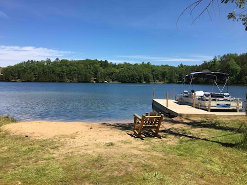 Secluded 3 bed 2 bath cottage on the lake