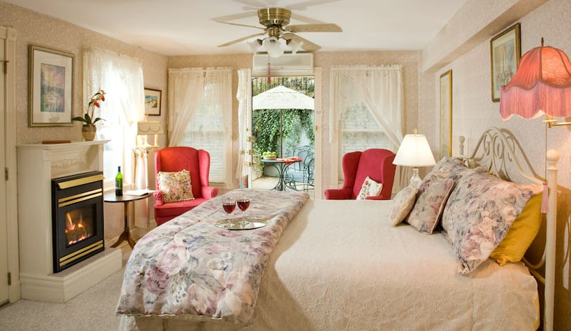 Patio Suite - Arsenic and Old Lace Bed &  Breakfast Inn
