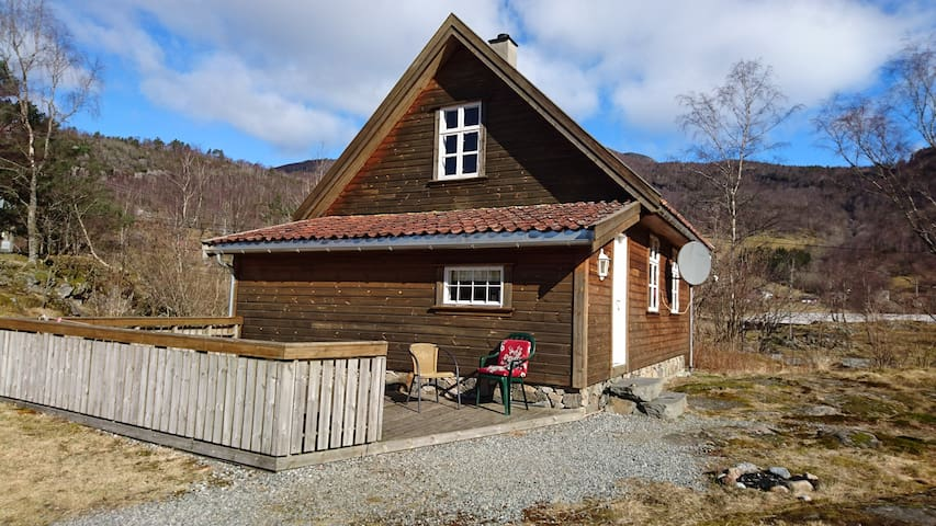Cozy cabin for families and couples - Hjelmeland - Apartamento