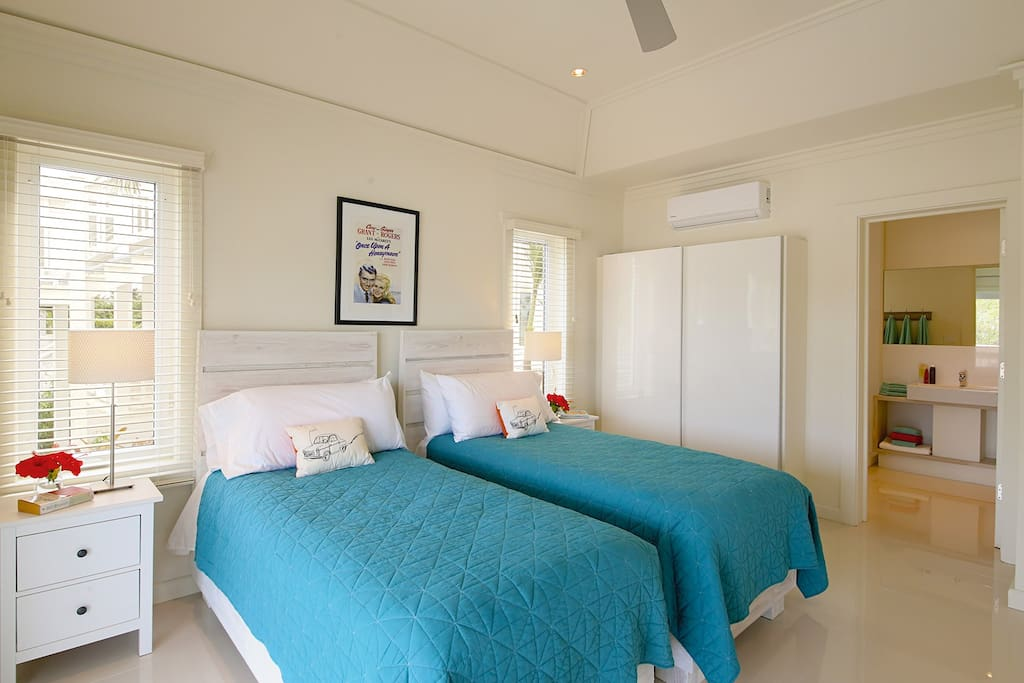 Twin Bedroom - can be converted into a king