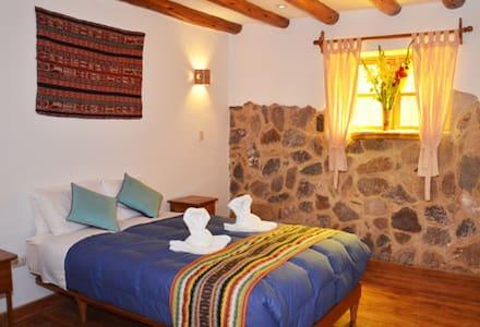 ByB Wasi Picaflor Tambo Habitación doble con baño - Ollantaytambo - Bed & Breakfast