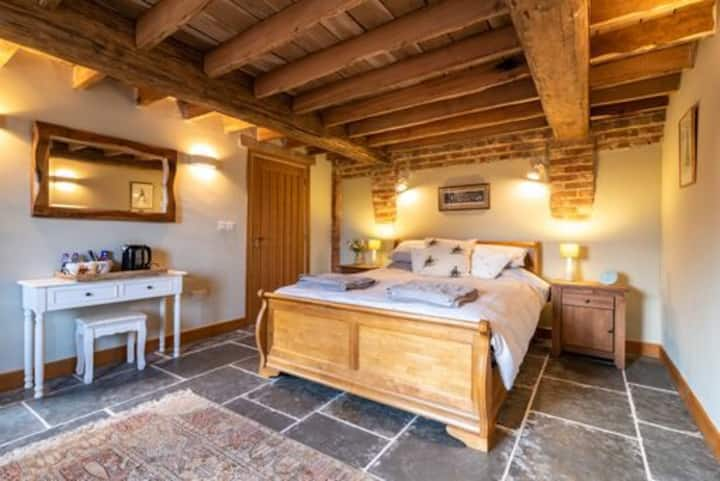 "Field barn b and b double en-suite ""The red arrow"""