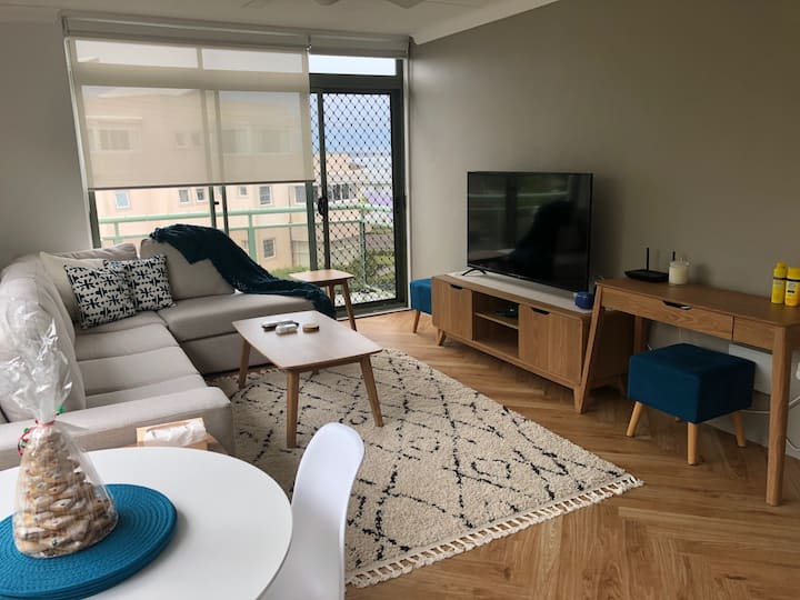 Blue Bay (Central Coast) Apartment by the Ocean