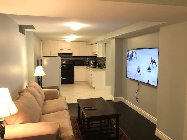 Bright, Airy, and Cozy 2 Bed Basement in Brampton