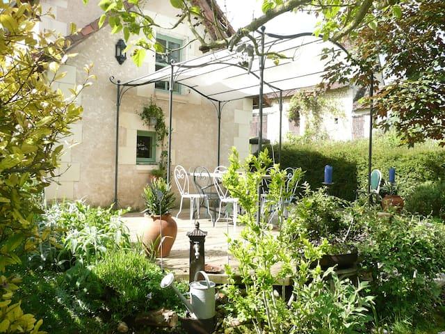 l'Ancien bistrot à 10 minutes de la Roche-Pozay - Maire - Casa