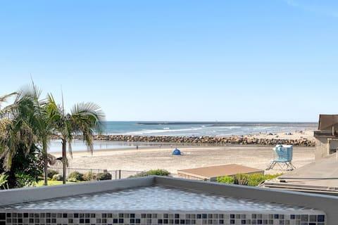 *Beach Break* Oceanfront/Balcony/Walk Everywhere