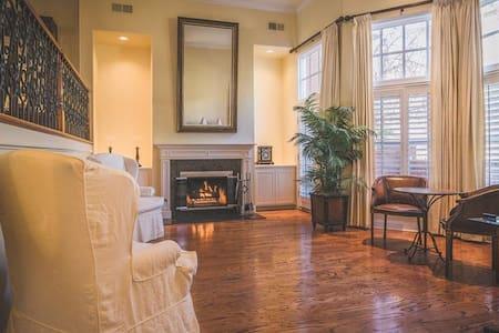 Serene Gated Lake Sherwood Townhouse - Thousand Oaks