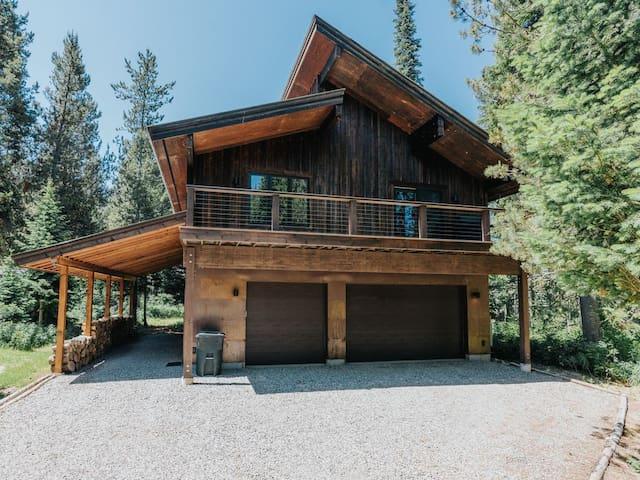 2 bed 1 bath luxury rental in Alpine