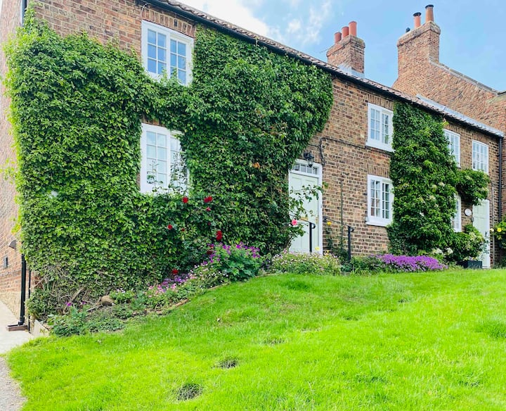 ⭐️⭐️⭐️ Cottage🌲Crayke, Easingwold  Dogs Welcome 🐾 ⭐️⭐️⭐️