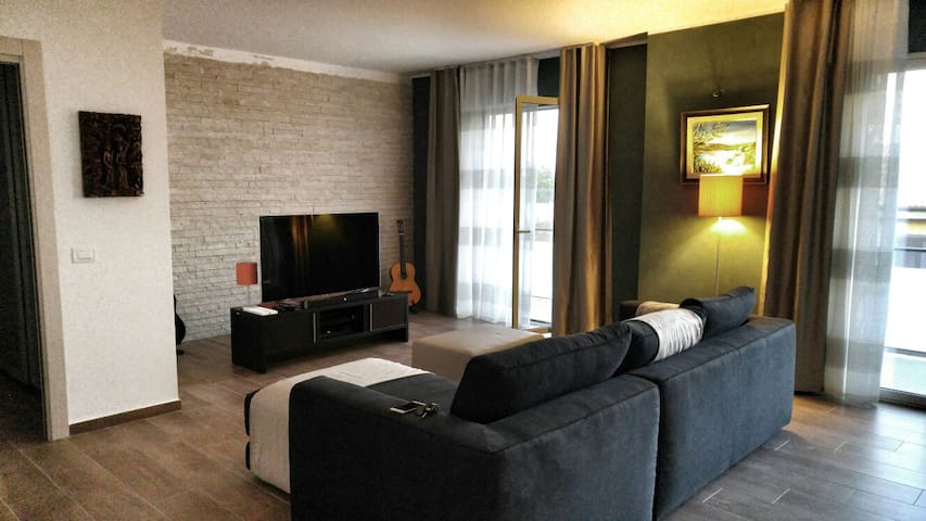 Luxurious Charming Apartment - San Giovanni La Punta - Flat