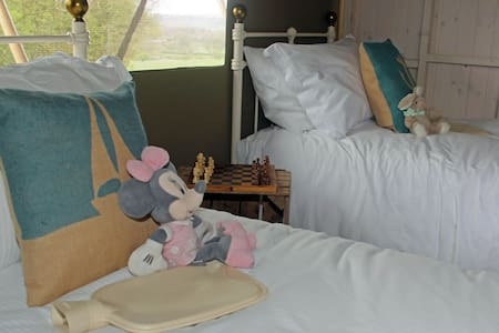 Lower Keats Glamping Safari Lodge 5 Sleeps 6