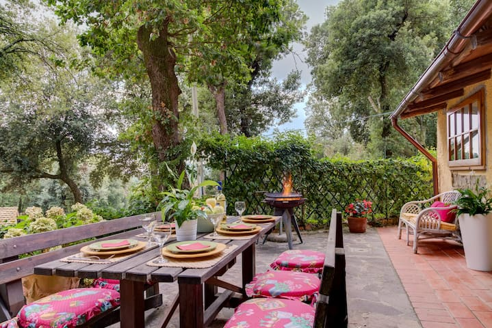 Romantic house with a great central location - Gambassi Terme - House