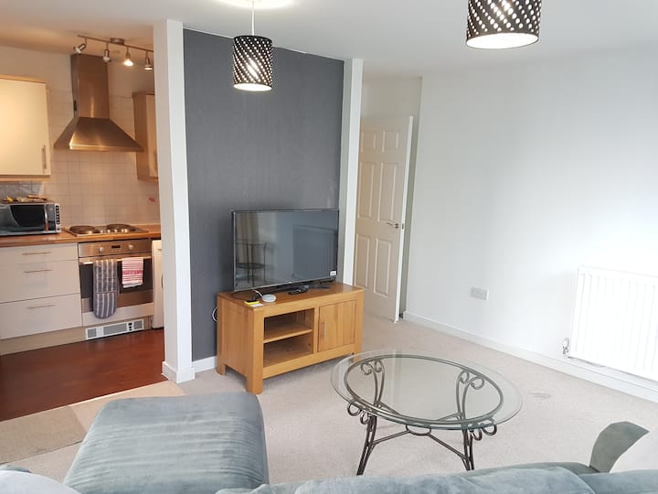 4 Separate Beds for Professionals - Central MK Apt