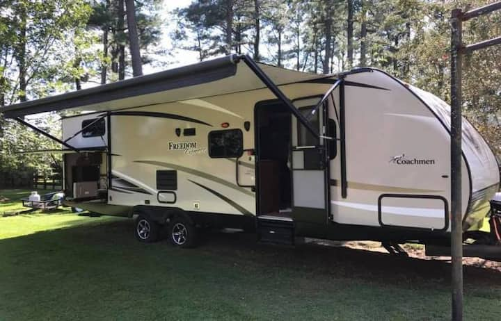 50/30Amp RV Campsite(Bring your RV, campsite only)