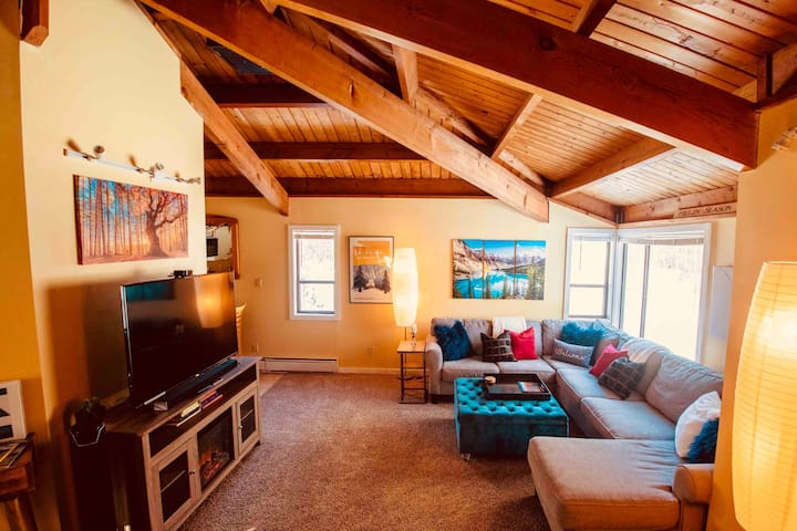 71 Waterville · 71 Waterville · 71 Waterville · 71 Waterville · Exposed Beam 3BR Retreat in ❤️ of White Mountains
