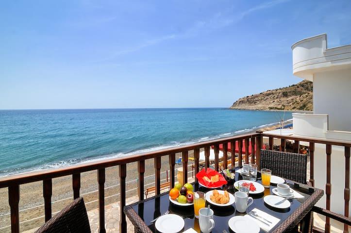 Myrtos Mare Suites - Seafront Maisonette - Neos Mirtos - Apartment
