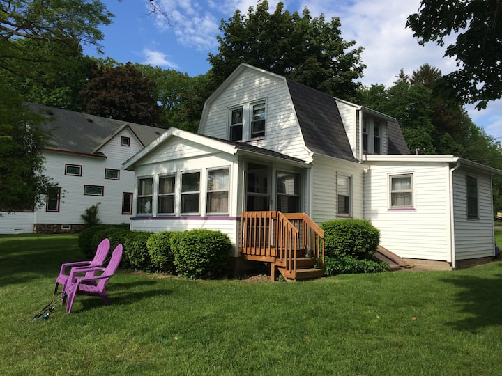 Sodus Bay Family Fishing Cottage