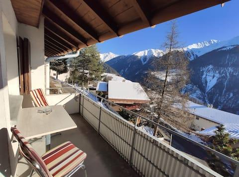 Gemütlichkeit mit Balkon & Bergsicht