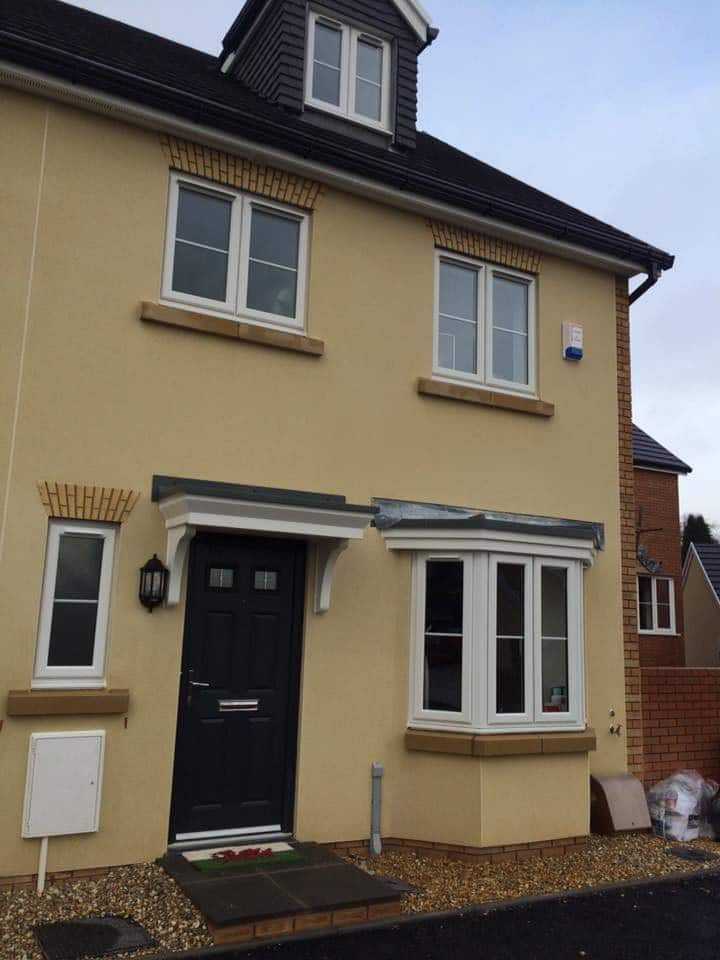 Private room for 2 in semi detached house