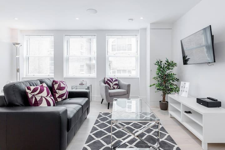 Luxurious 01 BR Apartment at Walpole Court, Ealing