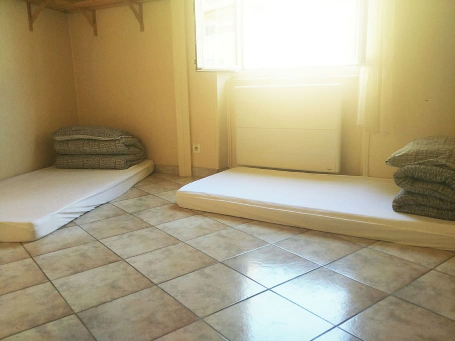lovely Japanese tatami with a closet
