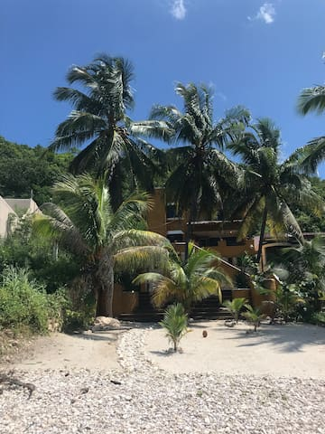 Hermosa Casa CONSOL playa SAN LORENZO en Campeche